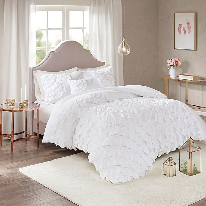 Alternate image 1 for Madison Park Octavia Full/Queen Duvet Cover Set in White