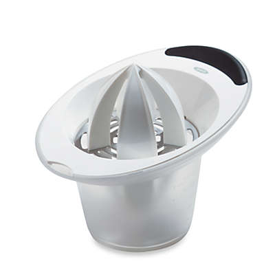 OXO Good Grips® Citrus Juicer