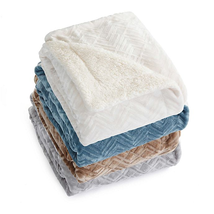 Alternate image 1 for Great Bay Home Ceilo Reversible Throw Blanket