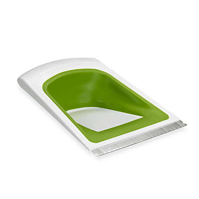 Chef'n® SleekScrape® Collapsible Scraper and Pastry Cutter