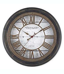 Reloj de pared rústico Sterling & Noble™ Farmhouse Collection en negro