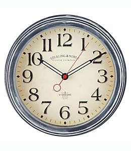 Reloj de pared Farmhouse Collection Sterling & Noble™ de 29.21 cm en azul