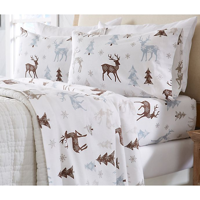 Alternate image 1 for Great Bay Home Stratton Collection Snowy Reindeer Flannel Sheet Set