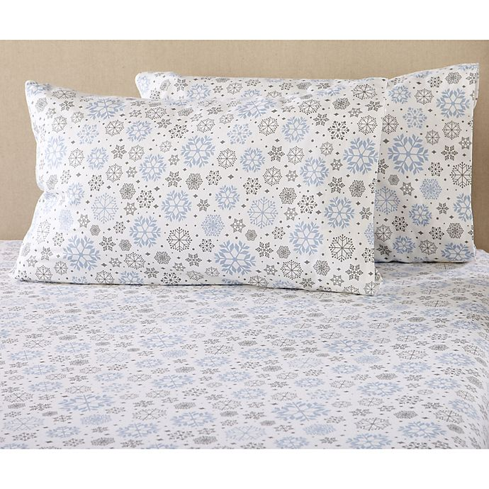 Alternate image 1 for Great Bay Home Stratton Collection Snowflake Flannel Sheet Set