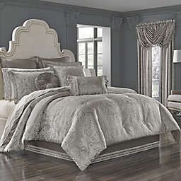 J. Queen New York™ Corinna Comforter Set in Silver