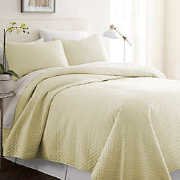 Home Collection Herring 2-Piece Twin/Twin XL Quilt Set in Yellow