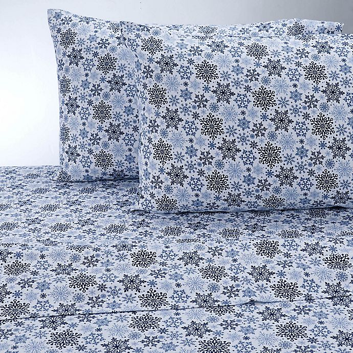 Alternate image 1 for Therapedic® 100% Ring Spun Cotton Flannel Twin/Twin XL Sheet Set in White/Blue