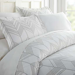 Luxury Inn Home Collection Chevron Patterned 2-Piece Duvet Cover Set in Light Grey