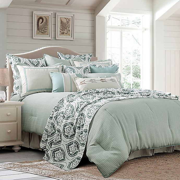 Alternate image 1 for HiEnd Accents Belmont Reversible King Comforter Set in Green