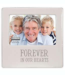 "Portarretratos Malden® con frase ""Forever in our hearts"" en blanco"