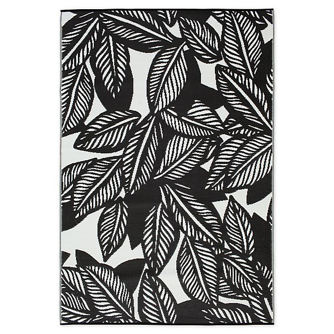 Alternate image 1 for Maldives Indoor/Outdoor Patio Mat in Black/White