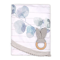The Peanutshell™ Farmhouse 2-Piece Leaf Blanket and Teether Set in White/Grey
