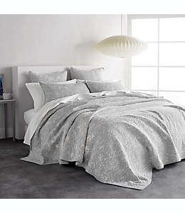 Colcha reversible individual DKNY® con diseño de hojas en color gris