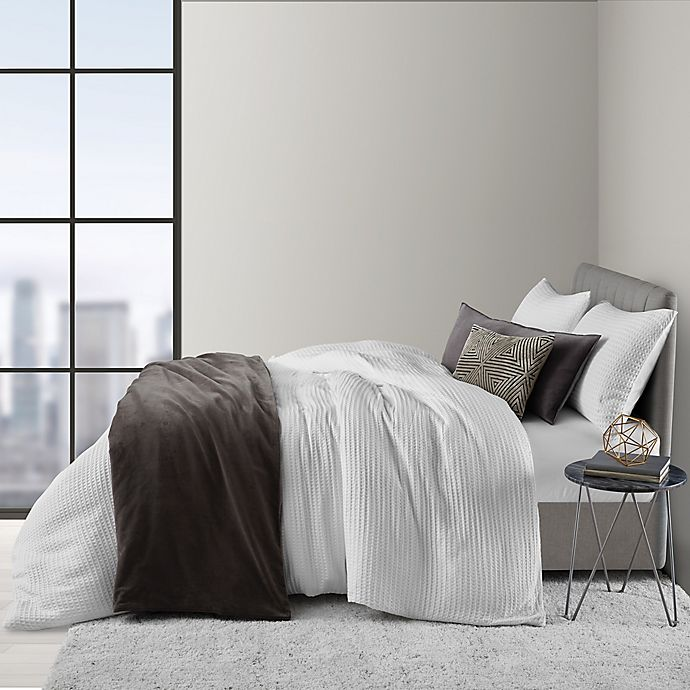Alternate image 1 for O&O by Olivia & Oliver™ Waffle 2-Piece Twin Duvet Cover Set in White