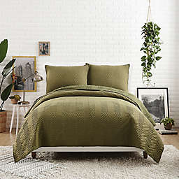 Maker's Collective Jersey Herringbone Stitch Twin/Twin XL Quilt in Olive