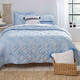 Ivory Ella Dana Full/Queen Quilt Set in Blue