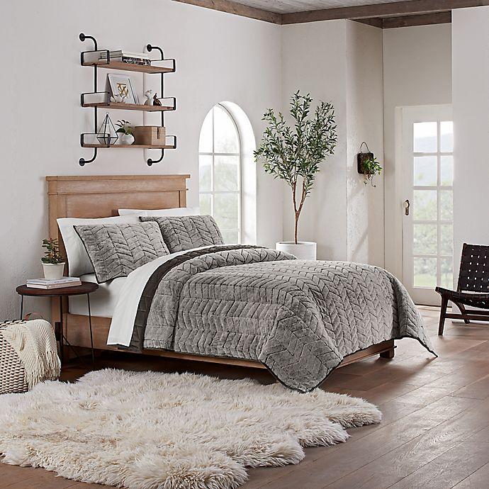 Alternate image 1 for UGG® Pinecreek Quilt Set