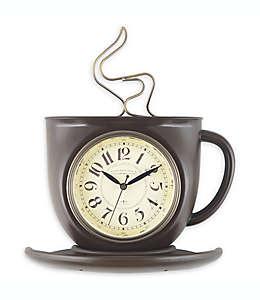 Sterling & Noble® Reloj de pared con forma de taza de café en bronce