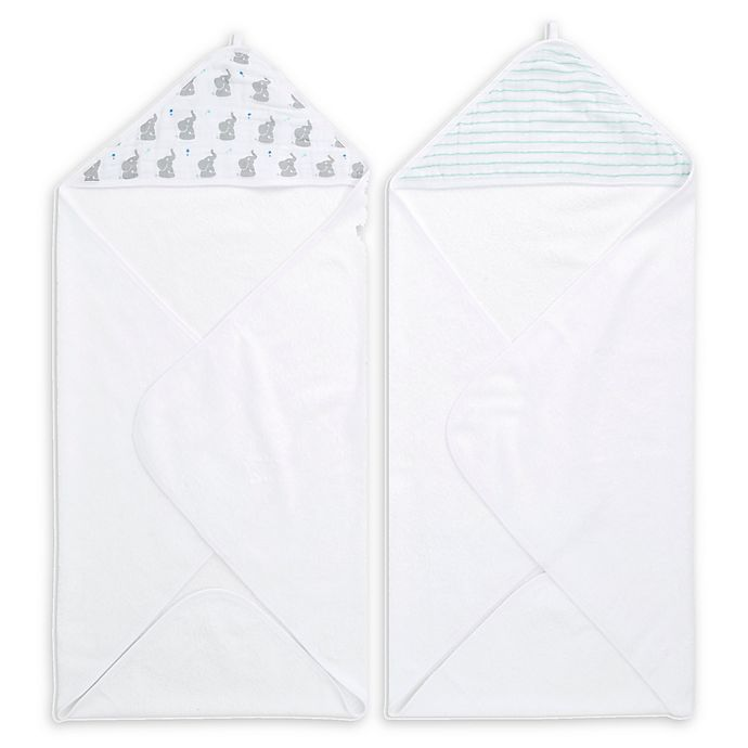 Alternate image 1 for aden + anais® Essentials 2-Pack Hooded Towels in Baby Star