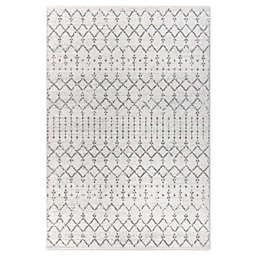 JONATHAN Y Moroccan Hype Boho Diamond 5'3 x 7'7 Area Rug in Cream/Grey