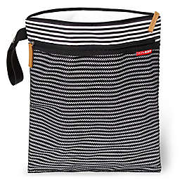 SKIP*HOP® Grab & Go Wet/Dry Bag in Black/White