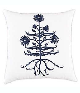 Cojín decorativo de lino Bee & Willow™ Home with Lauren Liess con diseño de achicoria bordado color índigo