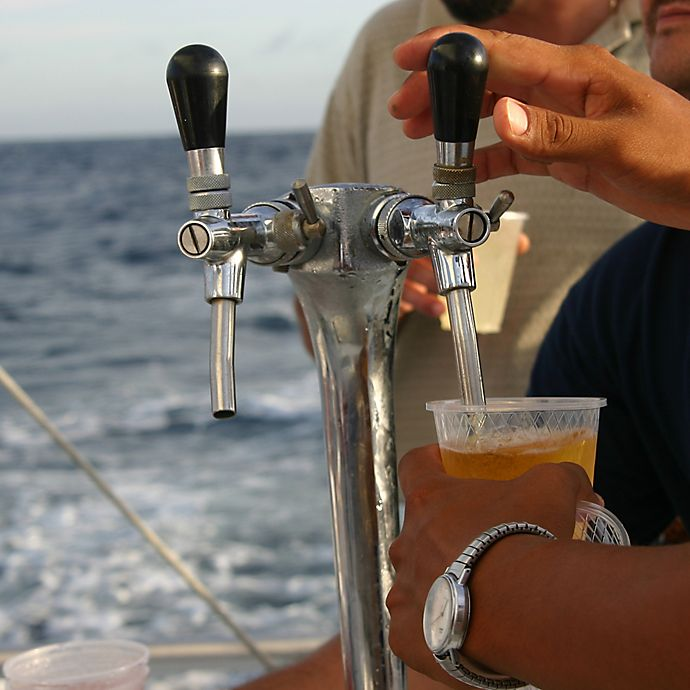 Alternate image 1 for Craft Beer Tasting Sailing Tour in NYC by Spur Experiences®