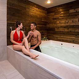 Couple's Float in Washington, D.C. by Spur Experiences®
