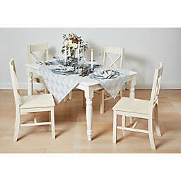 White & Silver Christmas Table