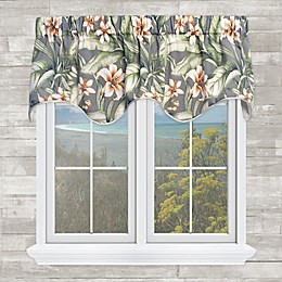 Naya Scalloped Valance in Platinum