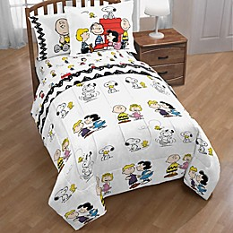 Peanuts™ Twin/Full Comforter Set