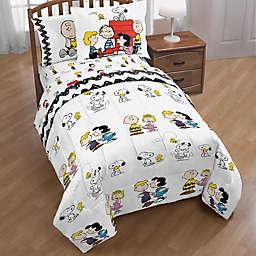 Peanuts™ Twin/Full Comforter Set