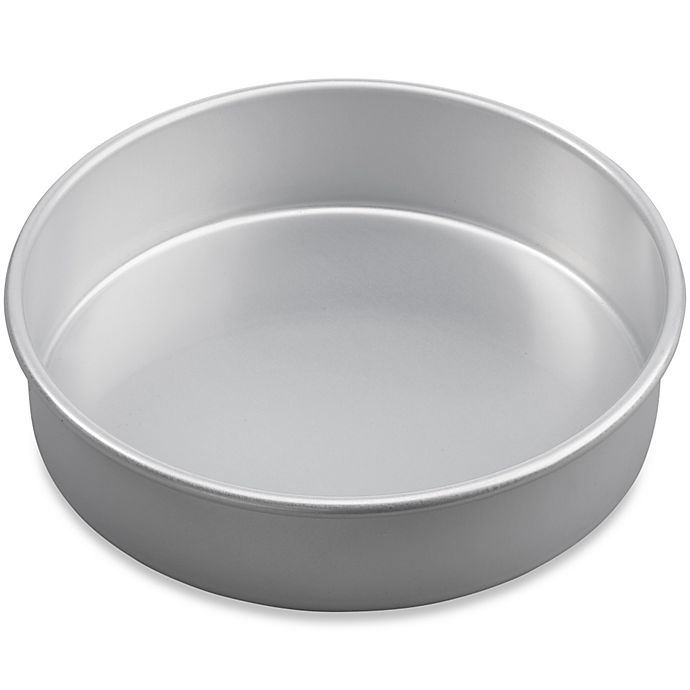 Alternate image 1 for Wilton® Advance® 8-Inch Round Cake Pan with Aluma-Gloss™ Coating