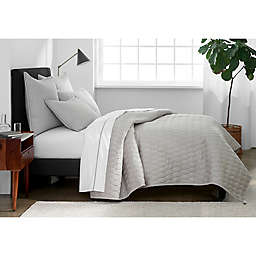 Under The Canopy® Ogee Satin Weave King Quilt in Grey