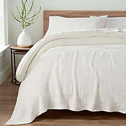 UGG® Delaney Chenille Reversible Full/Queen Blanket in Snow