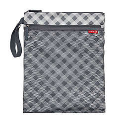 SKIP*HOP® Grab & Go Wet/Dry Bag in Gingham