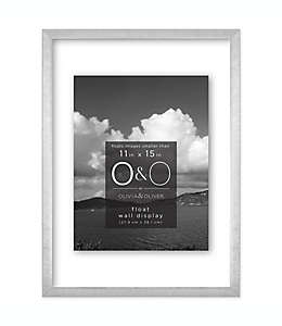 Portarretratos con marco de metal O&O by Olivia & Oliver™ con efecto flotante color plata