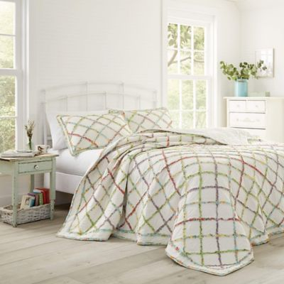 Laura Ashley 174 Ruffle Garden Quilt Bed Bath And Beyond Canada