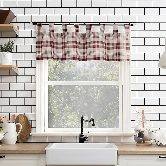 Alternate image 1 for No.918® Blair 14-Inch Tab Top Kitchen Valance in Red