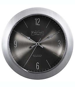 Reloj de pared FirsTime & Co.® Steel Core de 27.94 cm en plata