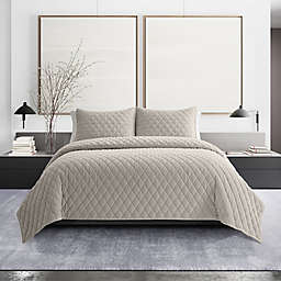 Vera Wang® Diamond Velvet Reversible 3-Piece Quilt Set