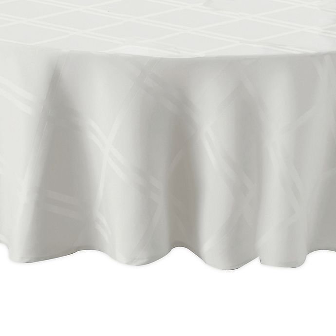 Alternate image 1 for Wamsutta® Solid 70-Inch Round Tablecloth in White