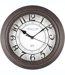 Reloj de pared redondo con números arábigos Sterling & Noble™ en bronce