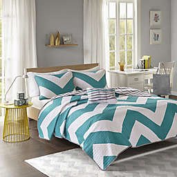 Libra Reversible Chevron Quilt Set in Blue/White