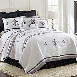 Donna Sharp® Ashland Fleur King Quilt in White