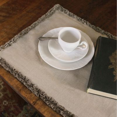 Downton Abbey 174 Ruffled Luxury Collection Linen Table