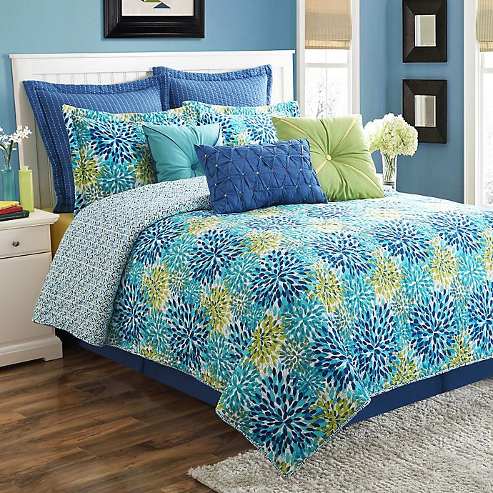 Alternate image 1 for Fiesta® Ava Reversible Full/Queen Quilt Set