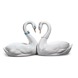 "Lladro ""Endless Love"" Porcelain Figurine"