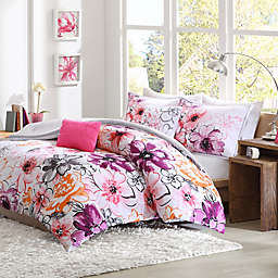 Olivia Reversible Comforter Set in Pink