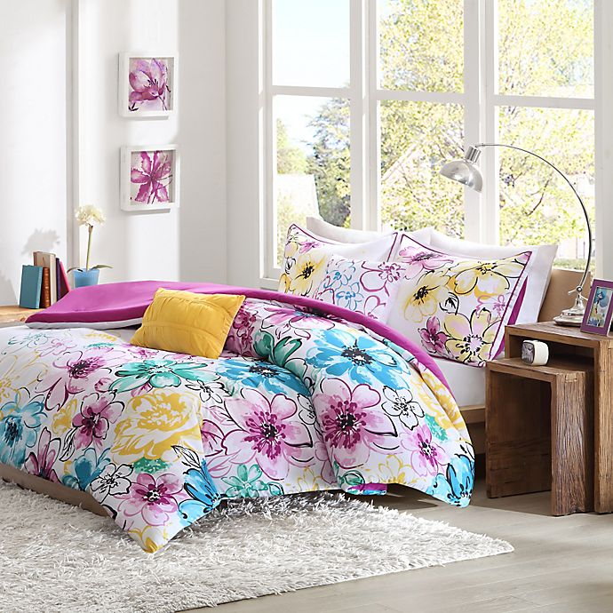 Alternate image 1 for Olivia Reversible Comforter Set in Fuchsia